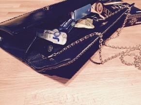 Contents on a womans handbag