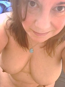 topless self portrait of Stella Kiink